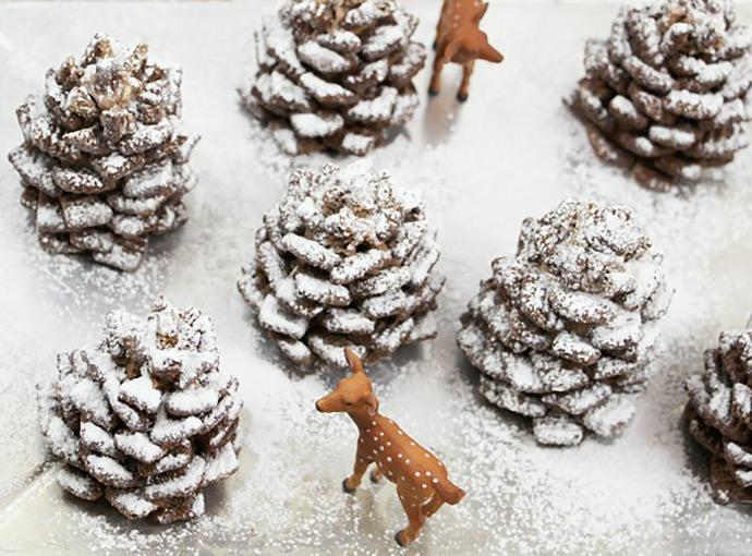 Moș Crăciuni din fructe și oameni de zăpadă din ouă, trucuri pentru o masă de sărbătoare