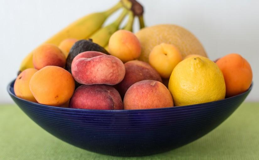 Cinci fructe care nu trebuie să lipsească din meniul copilului tău