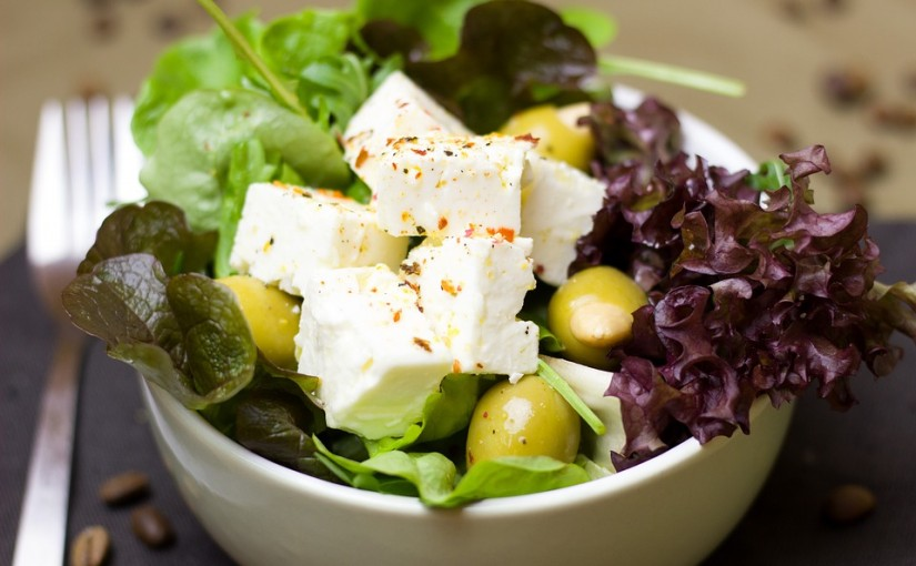 Salate savuroase pentru mese sănătoase