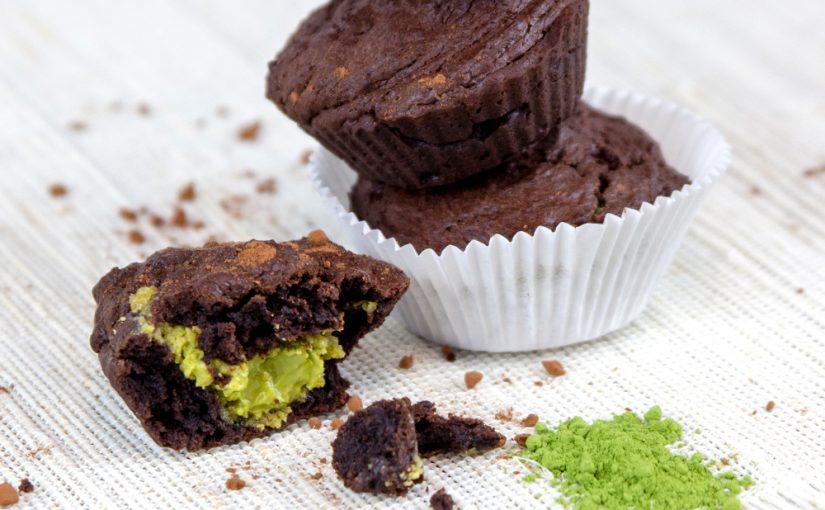 Muffins de ciocolată cu umplutură de matcha