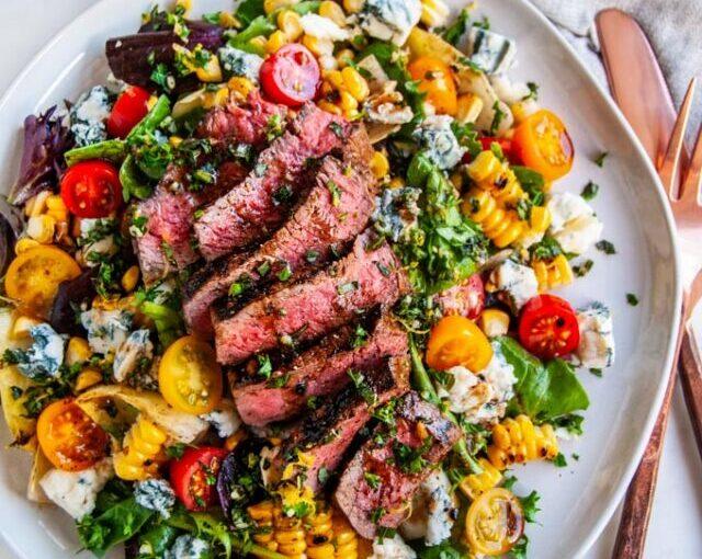 BioIdei- Salată cu vită, Gorgonzola, porumb și oțet balsamic